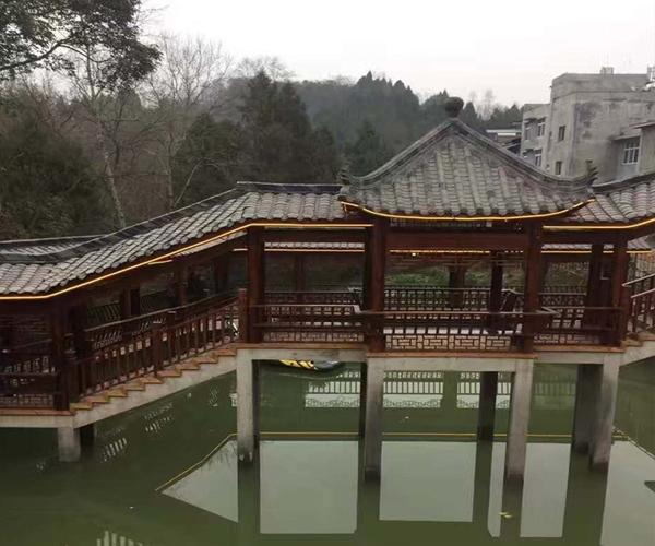 昭通防腐木长廊