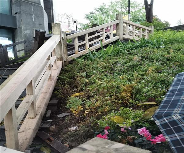 重庆渝北防腐木栏杆 全榫卯结构防腐木栏杆制作完成