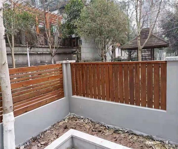 重庆防腐木围栏厂家
